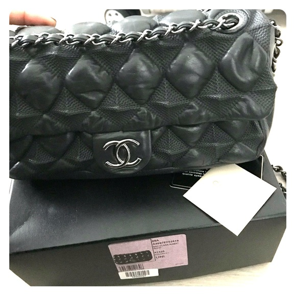 0fe62e2a47 CHANEL Handbags - Chanel Sac Classic handbag